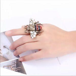 Jewelry - Pearl Bee Ring